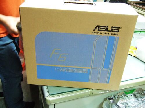 ASUS F6V 內箱