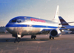 Piedmont 737 (So Cal Metro) Tags: plane airplane airport san sandiego aircraft aviation 1988 jet airline boeing piedmont airliner 737 usair usairways 733 lindberghfield 737300 piedmontairlines