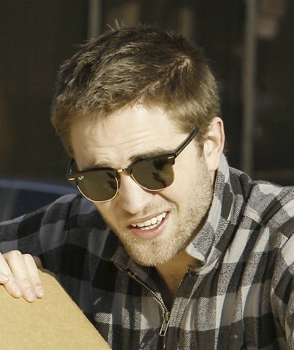 Robert Pattinson by ♥ Caitaly ♥.