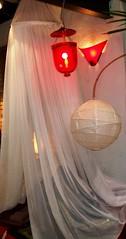 """Luz indireta - Pendente (Santinha - Casas Possíveis) Tags: light luz vintage candle reciclagem decoração velas abajur iluminação lustre lâmpadas lustres iluminado lampião abajour arandela lamparina brechó organização candlles luzdeled """"blogcasaspossíveis"""" """"idéiasparasuacasa"""" """"idéiasparadecoraracasa"""" """"luzartificial"""" """"aluzeseussegredos"""" """"luzdeapoio"""" """"iluminaçãodedestaque"""" """"luzparaloscuartosdebaño"""" """"lightforbathrooms"""" """"luzcerta"""" """"iluminaçãoparadiversosambientes"""" """"iluminaçãoparajardim"""" """"lâmpadapar"""" """"lâmpadaparainsetos"""" """"iluminaçãodepiscina"""" """"luzdevela"""" """"iluminaçãocênica"""" """"jogodeluz"""" """"iluminaçãoparabanheiro"""" """"iluminaçãoparacozinha"""" """"idéiasparailuminar"""" """"ailuminaçãocerta"""" """"lustresantigos"""" """"lustreantigo"""" """"lustrevintage"""" """"lumináriadechão"""" """"lumináriadepé"""" """"luzparajardim"""" """"ovelhoeonovo"""" """"casaedecoração"""" """"decoraçãoparajardim"""" """"especialsobreiluminação"""" iluminaçãodecorativa iluminaçãobarata"""