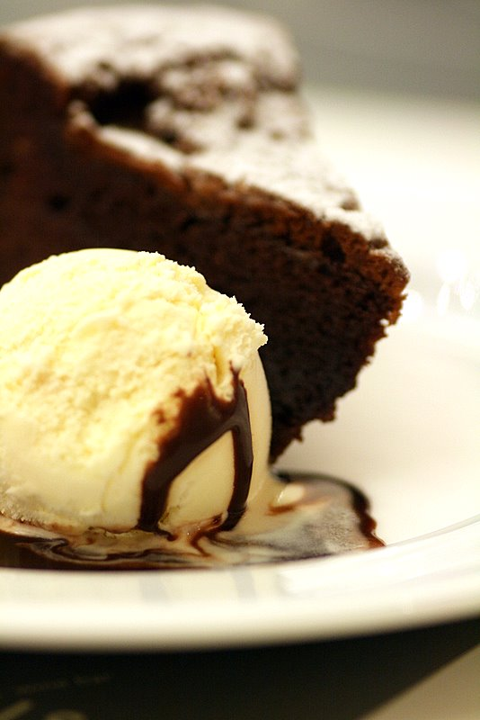 steamed chocolate cake with vanilla ice cream
