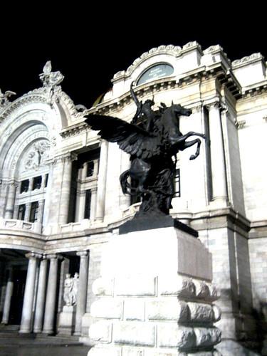 Bellas Artes y la Medianoche