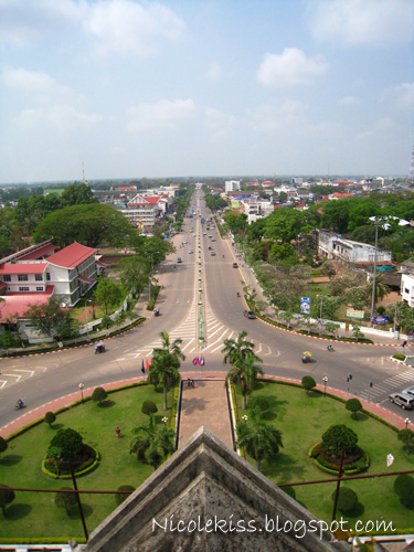 view from 7th floor of patuxai