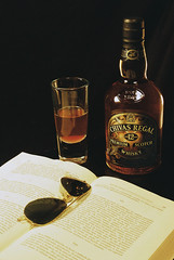 chivas regal (browniest boy alive!) Tags: foto whiskey estudio regal chivas producto