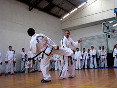 Seminario Sajionim Vatrano (J U A C O) Tags: fight kick martialarts taekwondo learning tkd seminario patada artesmarciales taekwondoitf atich