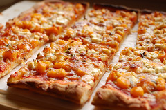 butternut squash and thyme pizza (monika dabrowski) Tags: autumn fall cooking lunch pizza vegetarian butternutsquash goatcheese thyme mozzarella