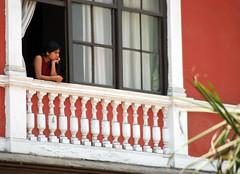 Esperando... (Martintoy) Tags: street trip travel peru southamerica photo foto trips sudamerica urbanphotography callejera