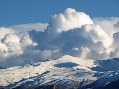 Sierra Nevada con nubes (detalle) (TonioMora) Tags: mountain snow clouds nieve granada nubes montaa sierranevada olympuse510