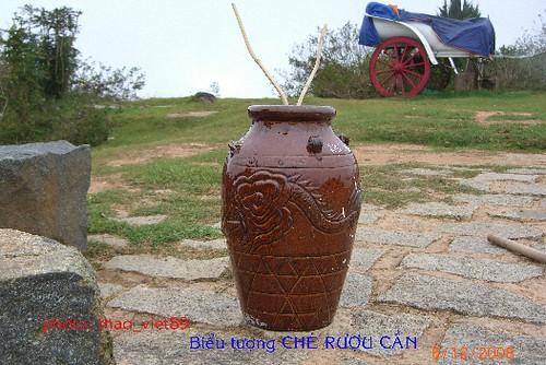4304 che' ruou can` (cua don`g bao` dan toc) by you.