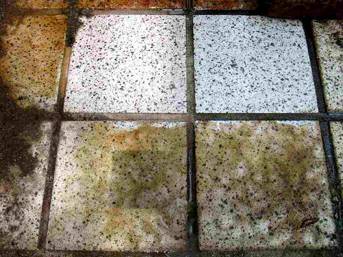 how to get rust off tiles