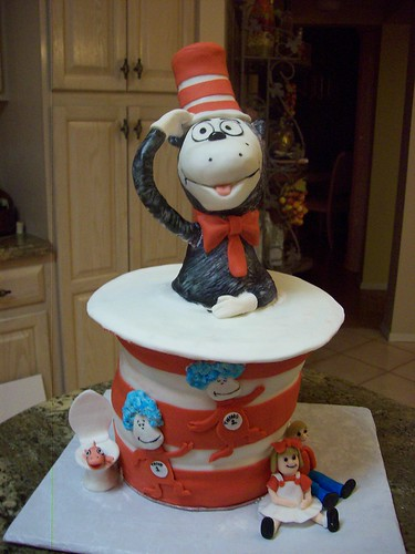 cat in a hat cake. Cat and the Hat Cake