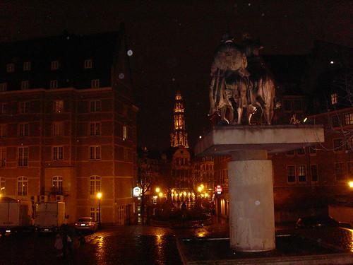 Plaza de España en Bruselas, con don Quijote y Sancho