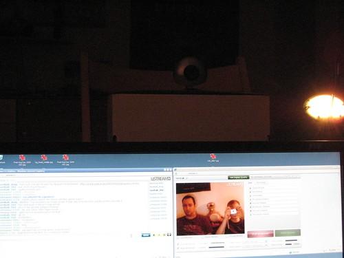 Blick über den Monitorrand