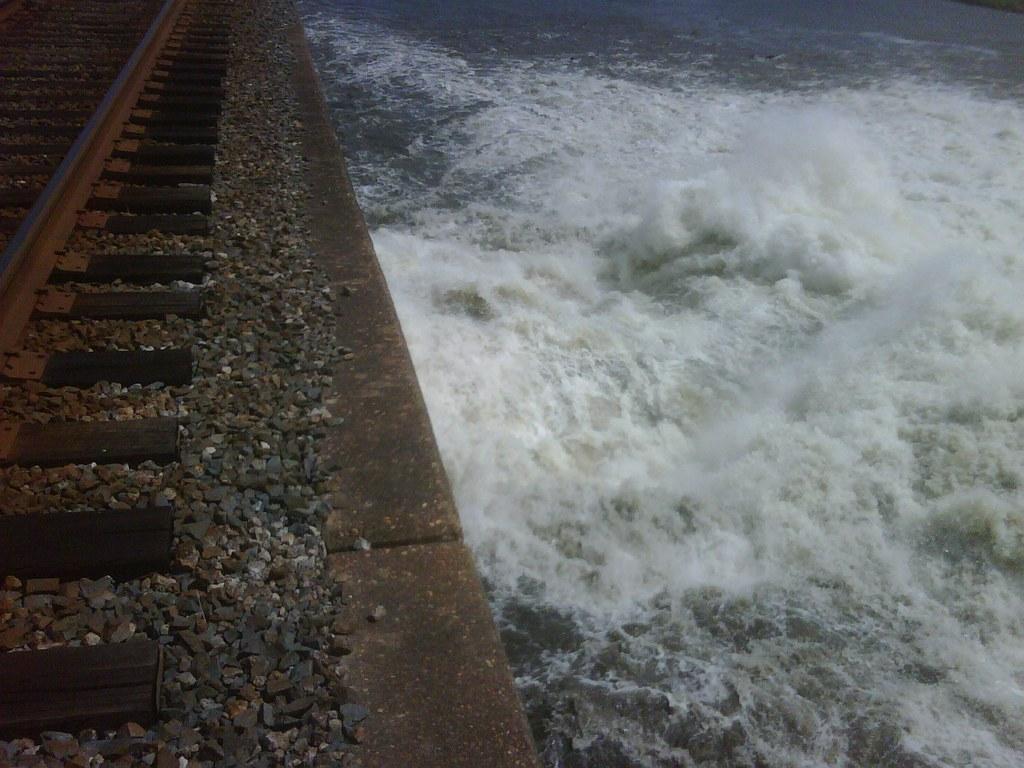 Morganza spillway opens 5/14/2011