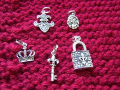 garter stitch, stitch markers, crown, lock, key