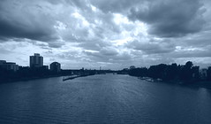 main frankfurt (fluffisch) Tags: road city bridge blue sky water clouds dark town frankfurt main sigma1020 uww fluffisch
