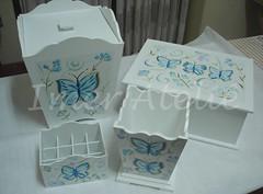 kit laqueado borboleta azul (Imer atelie) Tags: branco azul brasil minas mulher caixa borboleta moa quarto kit menina decorao jovem uberaba mineira lixeira borboletaazul arabescos laqueado combinando portajoia imeratelie portaescova portabaton