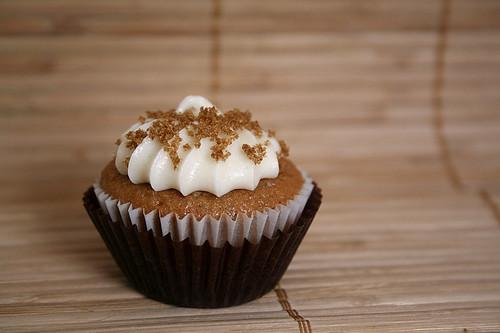 spice cake cupcake