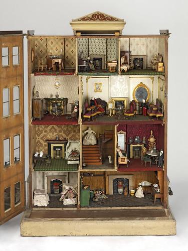 11- Casa de muñecas 1750-188
