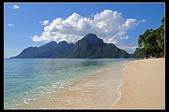 Playa Ipil de Palawan, Filipinas... ([cation] (totally off...)) Tags: voyage travel viaje cloud sun sol azul soleil nikon southeastasia paradise philippines playa ciel plage paraiso nube paradis filipinas sueo palawan d300 cation archipel westernvisayas bacuit arquipielago