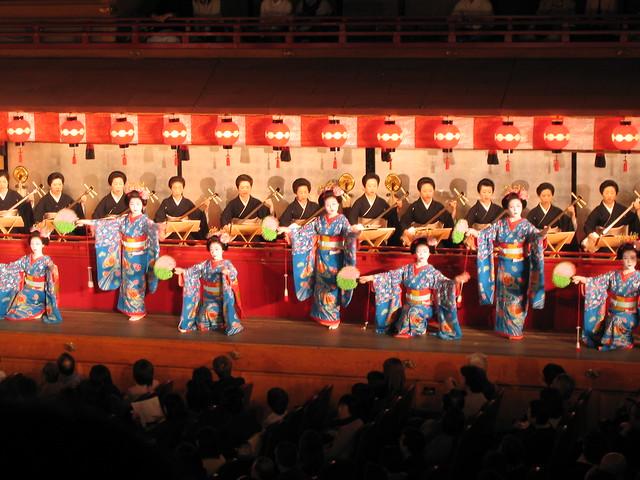Miyako Odori; cherry dance in Kyoto; 都をどり、舞妓、祇園、京都