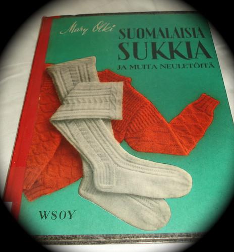 Mary Olki Suomalaisia sukkia ja muita neuletöitä