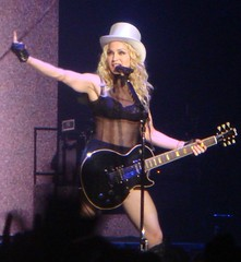 Madonna giving the middle finger (Miriella) Tags: madonna msg madisonsquaregarden stickyandsweet