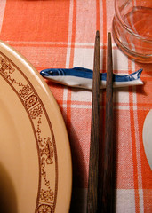 Blue Fish (prima seadiva) Tags: orange fish vintage dish tan diner hashi chopsticks dishes tablesetting restaurantware tanbody restaurantchina