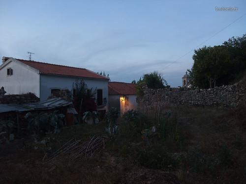 Horta, no meio da cidade medieval