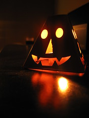 happy halloween (Maicdlphin) Tags: macro reflection halloween contrast canon candle powershot a590