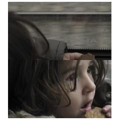 tren i galeta ([c]) Tags: barcelona kids train tren columna diptychs pema desaturado galeta dessaturat dptics