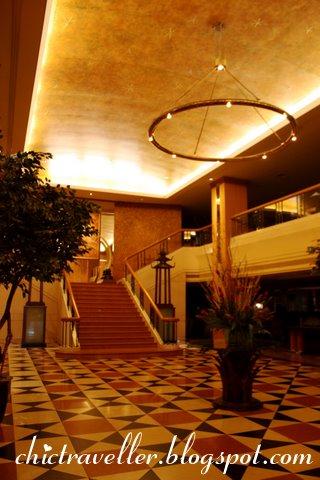 Indra Regent Hotel lobby