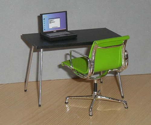 1/12th folding table with green chair