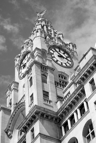 THE LIVER BUILDING~SYMBOL OF A CITY.