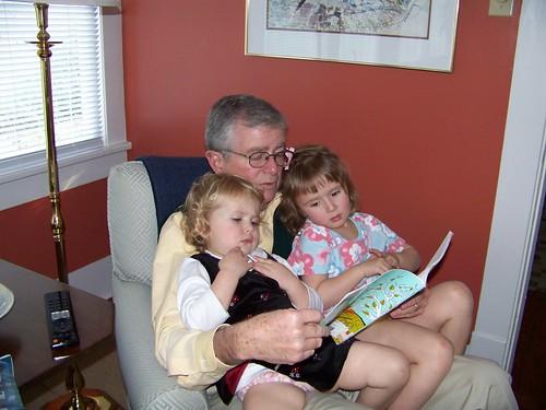 Papa reads