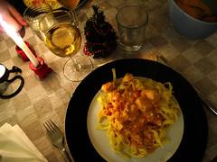 Fettucine med laks i tomat-flødesauce