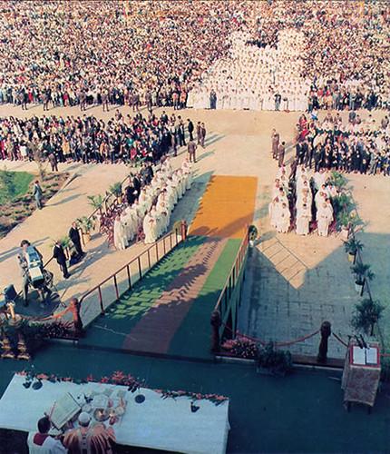 Juan Pablo II en Toledo. Misa en el Polígono Industrial