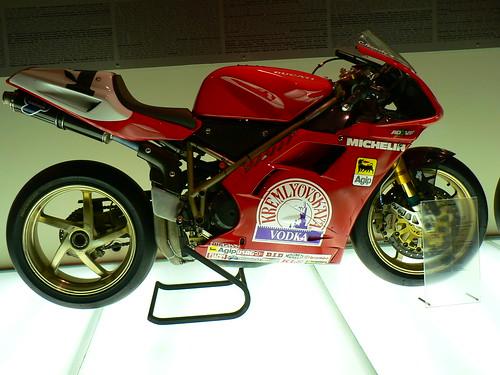 Superbike con monobrazo