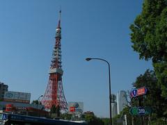 自転車通勤の途中で見上げた東京タワー