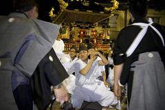 Kamioka Matsuri - Directing the Mikoshi Bearers (ISO1977) Tags: festival japan shrine streetphotography shinto gifu matsuri mikoshi kamioka
