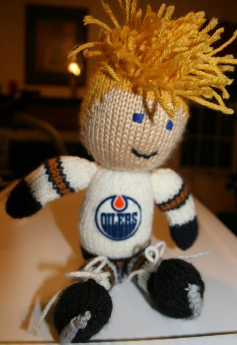 Hockey Knitting Patterns : Knits with hockey sticks: Knitted Hockey Player