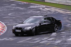 BMW M5 Drift (www.nordschleife-video.de) Tags: auto cars car race germany deutschland power racing eifel vehicles bmw vehicle autos 2008 unscharf m5 motorsport drift rheinlandpfalz nordschleife nrburgring sportwagen mpower bmwm5 grnehlle brnnchen driften powerdrift touristenfahrten m5drift bmwm5drift m5driften bmwm5driften m5power