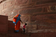 Descending Down... (cmac66) Tags: woman india asia child agra sari redfort agrafort saarc abigfave theunforgettablepictures excapture peachofashot