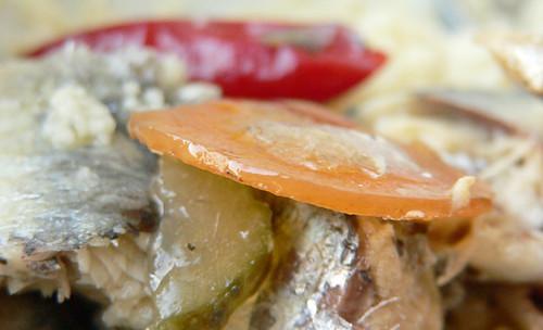 Nuri-Sardinen mit Gemüse