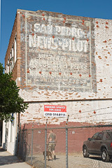 San Pedro News-Pilot (Viajante) Tags: california morning sign wall losangeles paint sanpedro losangelescounty nikond80 sanpedronewspilot