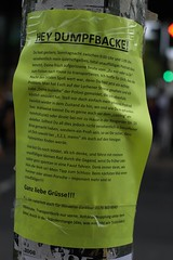 Dumpfbacke (steffenz) Tags: signs berlin schilder germany deutschland 50mm lenstagged pentax pankow warnschild fa50 fa50mm k100d smcpentaxfa11450mm pentaxfa50mm smcpfa50mmf14 steffenzahn rawtherapee justpentax