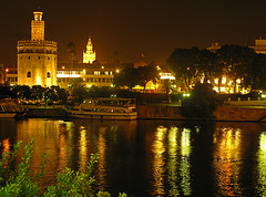 Sevilla desde Triana (dnieper) Tags: españa water sevilla spain guadalquivir agua reflejos kdda10