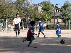 [300fps Video] Kids Soccer-CIMG0256.part (pinboke_planet) Tags: kids video soccer casio highspeed slowmotion 300fps exf1