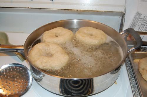 Bagels taking a boiling bath