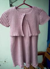 Pikkuneidin mekko Kotiväki-langasta (98 cm)